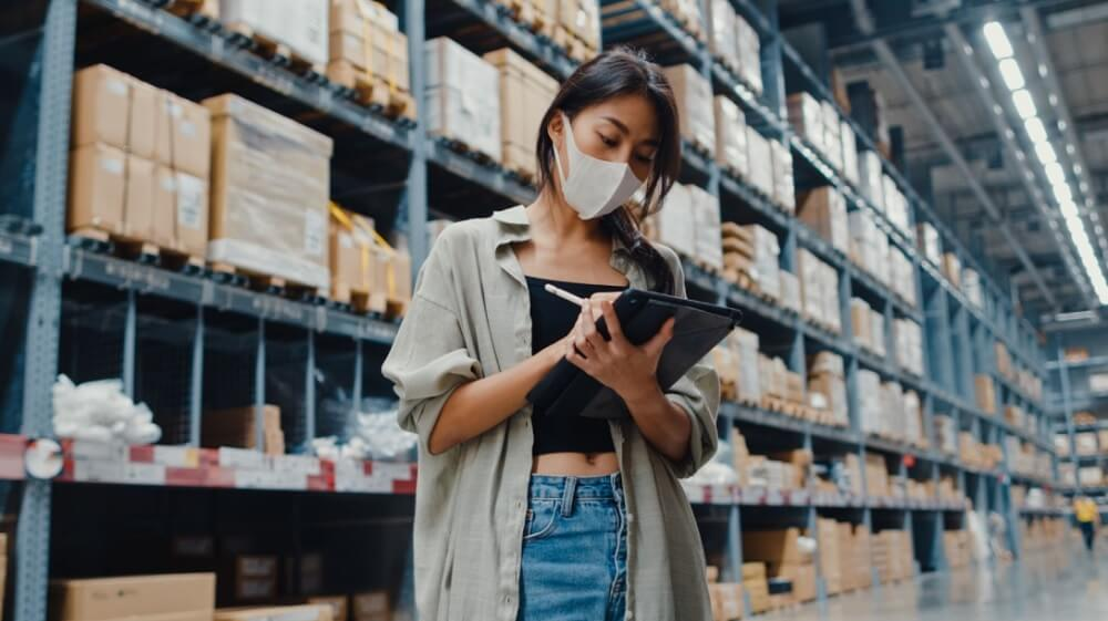 Best practices for integrating multilingual inventory management with accounting, Fishbowl Blog
